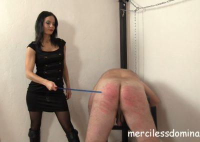 Lady G Spanks Her Slave4