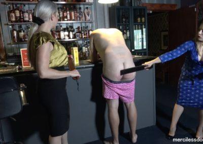 Drunk Bartender2