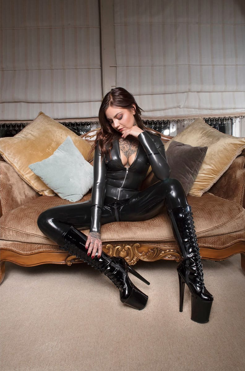 Mistress Nikky French