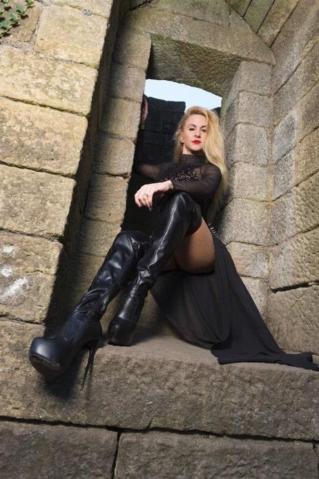 Miss Suzanna Maxwell