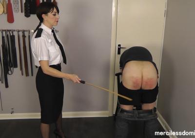 Merciless Police Officer (4)