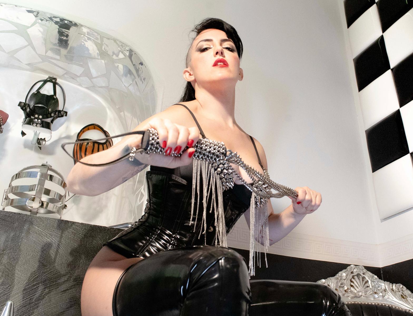 Mistress Amandara